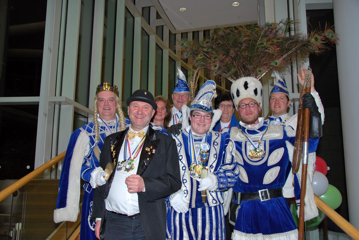 (v.l.n.r. ) Jungfrau Diederike Strauch, Rainer Thiel MdL, Prinz André I. Maaßen, Bauer Carsten Wüster, Präsident Jörg Sauer