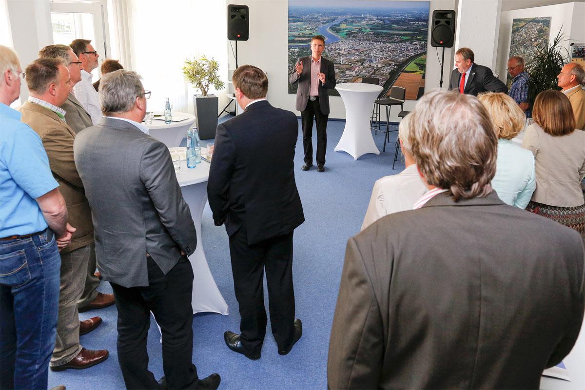 Ergebnisse der Enquetekommission zur Zukunft der chemischen Industrie in NRW vorgestellt